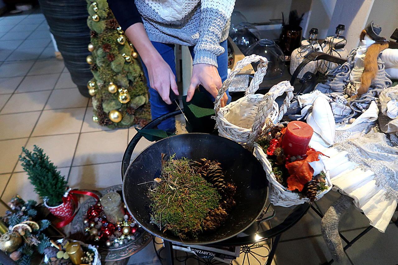 szykowanie stroika świątecznego