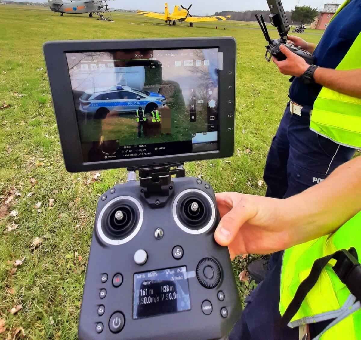 dron_policyjny