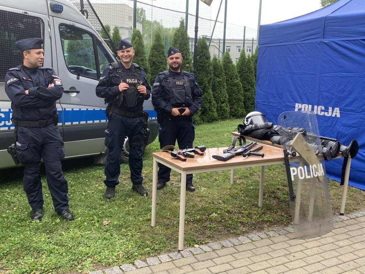 stoisko_policja